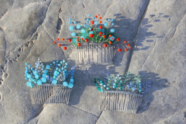 Beautiful hair combs from blue crystals sea inspired on grey sea stone